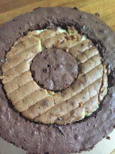 montage gâteau damier