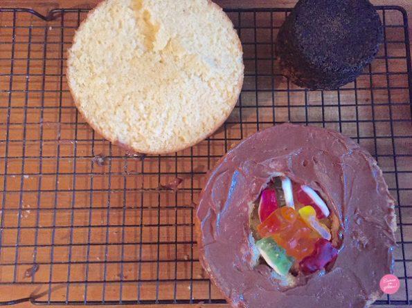 montage pinata cake halloween