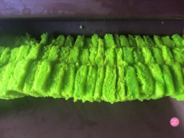 sapins moule gâteau caché