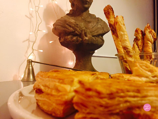 galette frangipane noisettes et sacristains