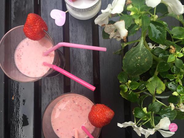 Smoothie fraises banane myrtilles