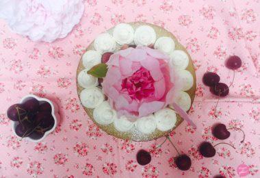 nude cake thé matcha cerises