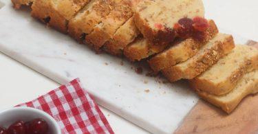 cake aux cerises confites et granola