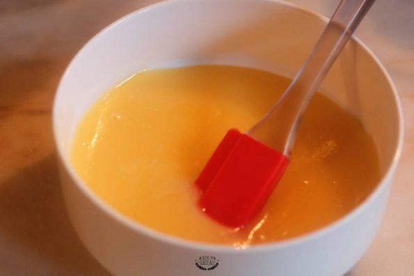 curd citron yellow