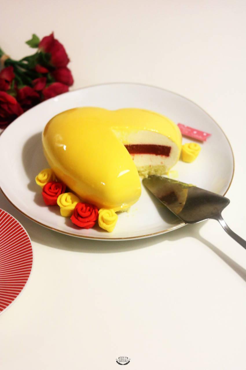 yellow de christophe felder entremets mousse citron insert fraise. Black Bedroom Furniture Sets. Home Design Ideas