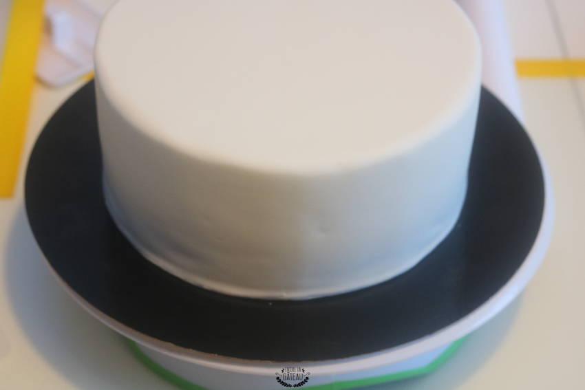gâteau psg pâte à sucre blanche