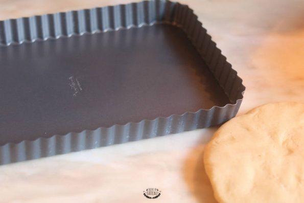 moule à tarte pour la tarte à la semoule