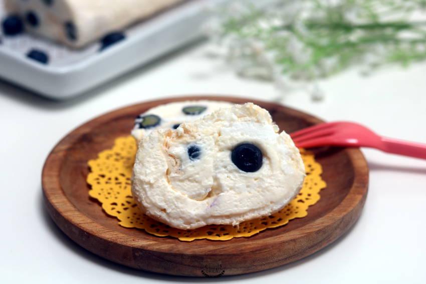 recette de dessert sans gluten roulé meringué citron myrtilles