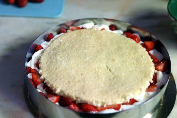 montage du fraisier crème diplomate