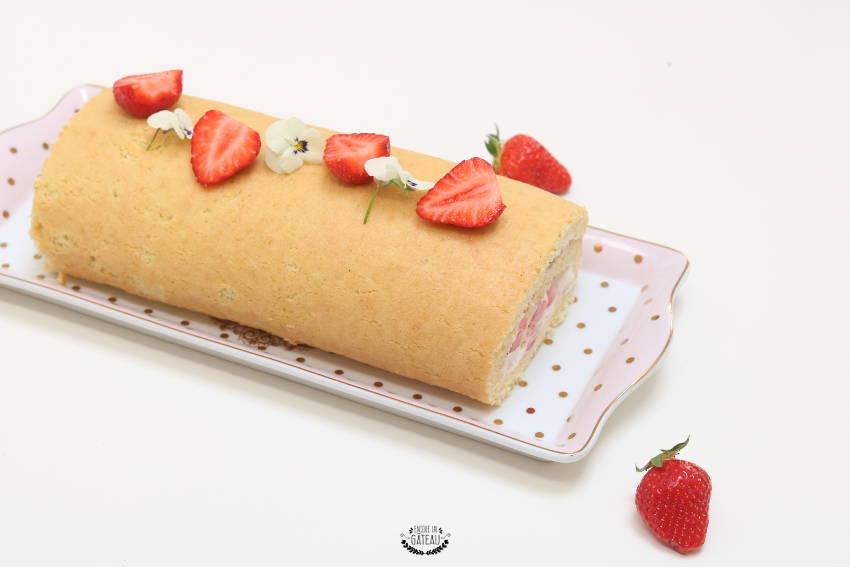 roulé aux fraises et chantilly recette facile