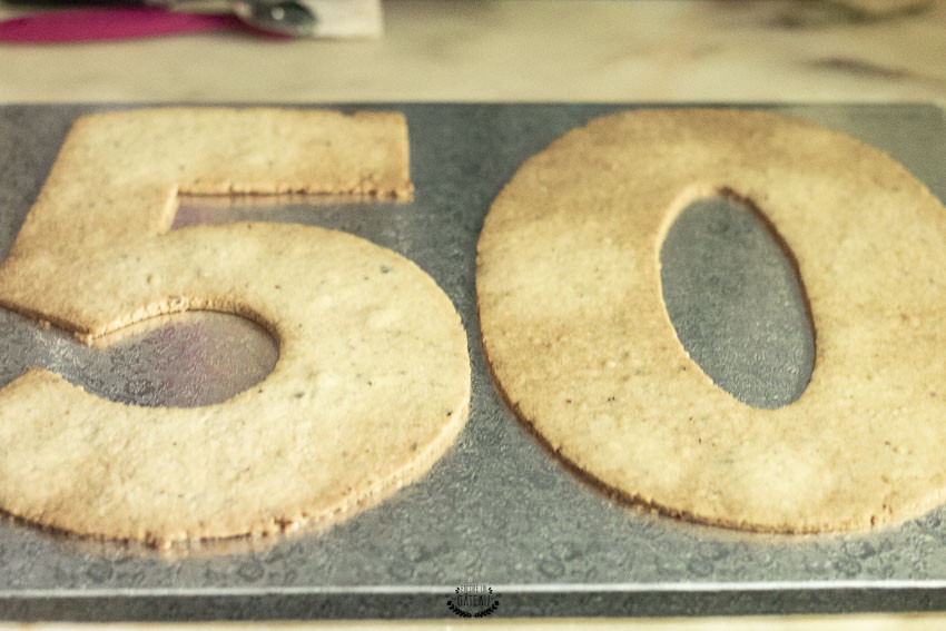 biscuits number cake