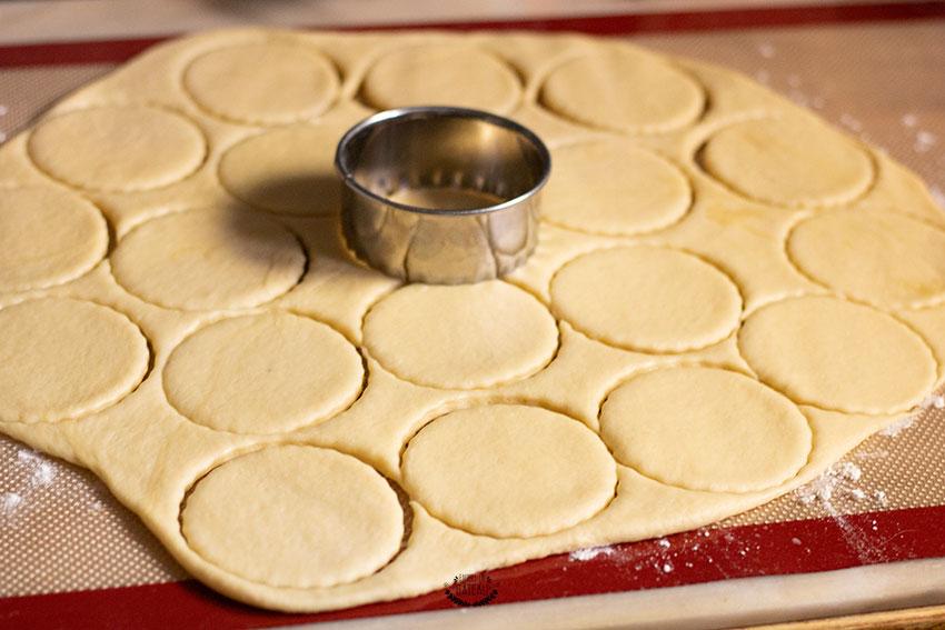 découpe brioche bouclettes