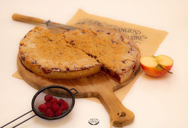 tarte crumble pommes framboises