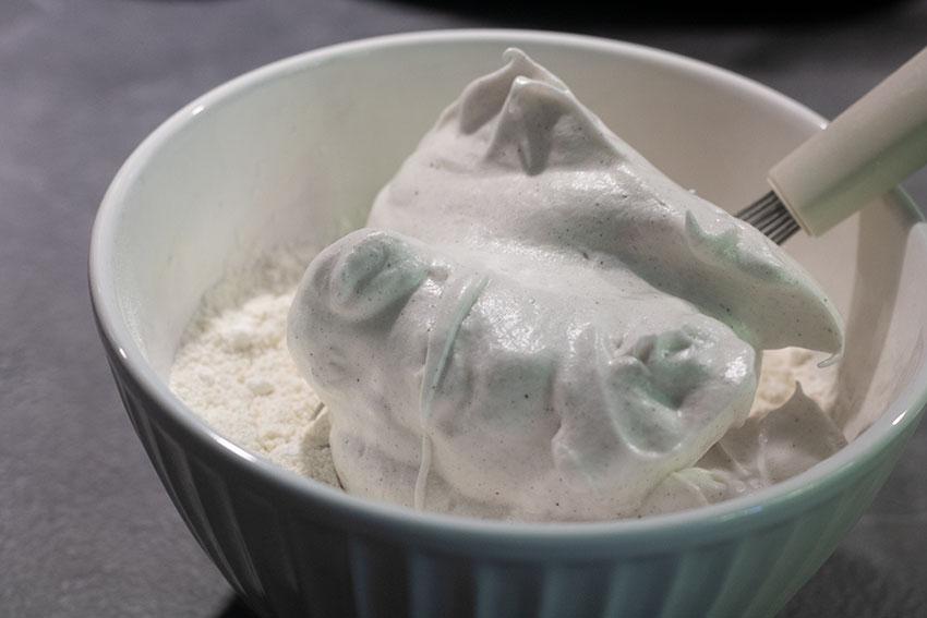 mélange angel cake