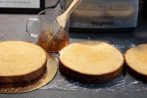 découpe drip cake caramel