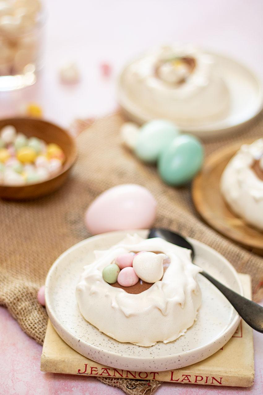 recette nids de pâques meringue mousse chocolat lait coco