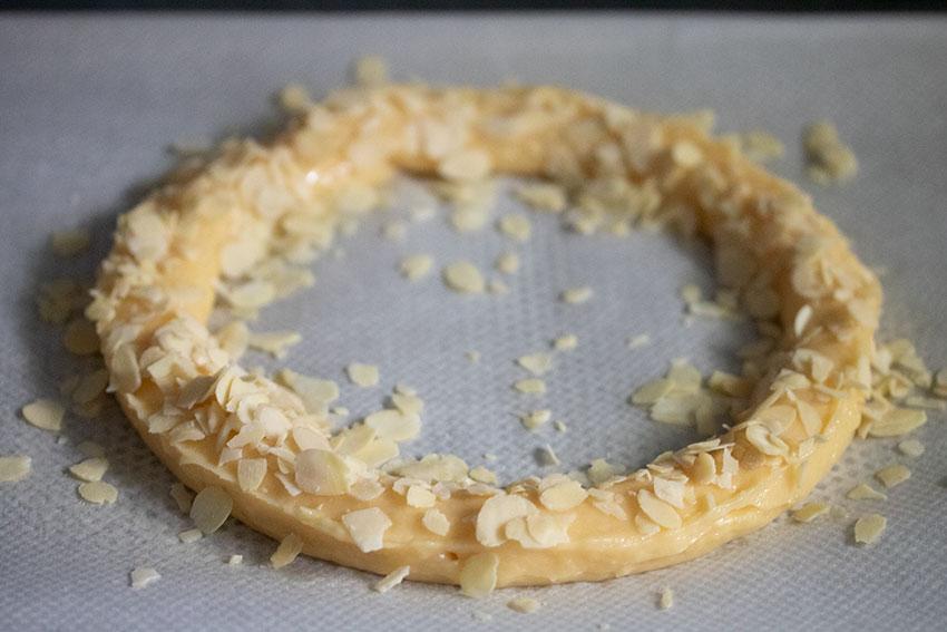 couronne pâte à choux avant cuisson