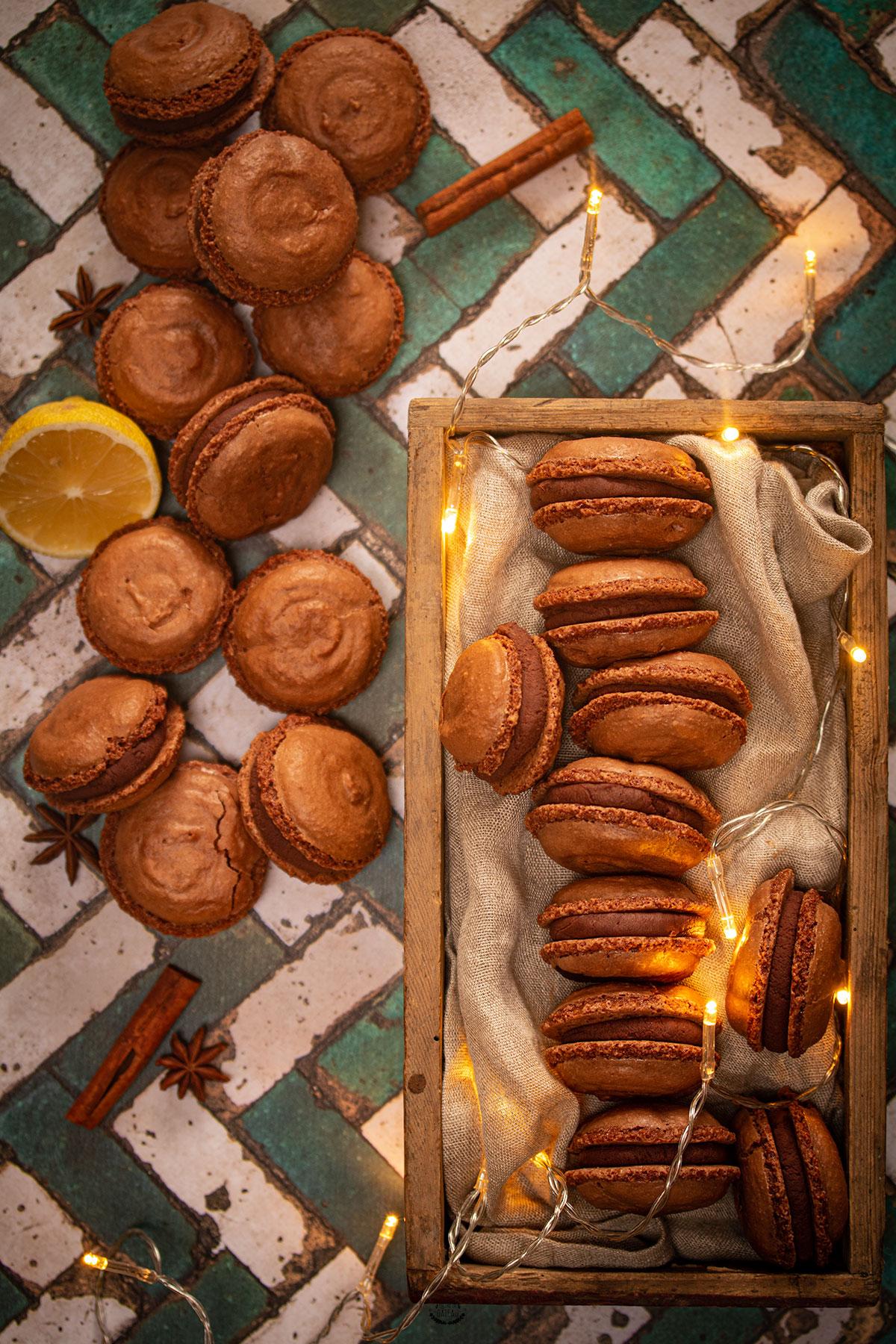 macarons chocolat pain d'épices yuzu
