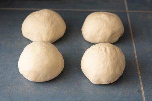 boules pâte pain viennoise